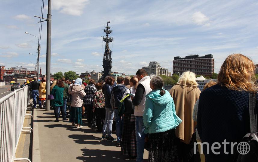 Очередь кмощам Николая Чудотворца в российской столице составляет неменее 2км