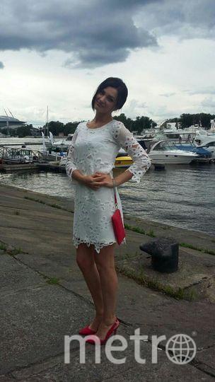 А это мое счастливое и любимое платье.В этом плпитье я провела самый замечательный выпускной ! -- Полина.