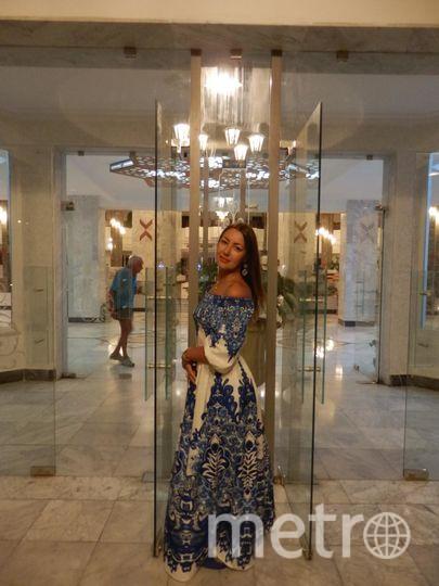 Это мое счастливое платье. Когда я в нём - весь мир у твоих ног!!! В любой точке земного шара!!! И в России и за ее пределами - море улыбок и комплиментов, знакомств и цветов) В этом платье я чувствую себя Королевой!!! Фото Марина