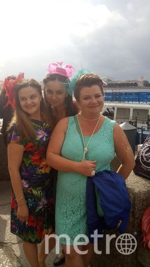 Платья счастливые! Мы отмечали свой профессиональный праздник День железнодорожника! Галина и Валерия.