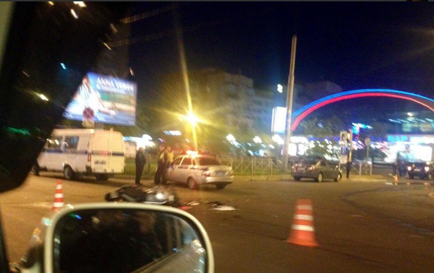 Страшное ДТП с мотоциклистом случилось на Ленинском проспекте. Фото http://www.motobratan.ru