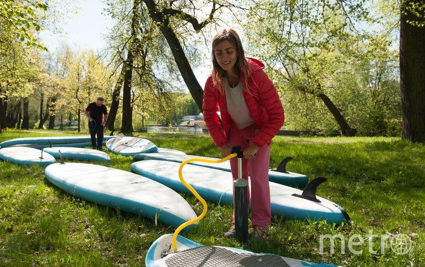 В Петербурге учат  SUP-сёрфингу. Фото Все - Святослав Акимов