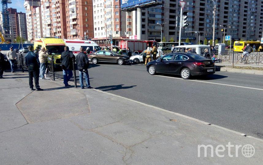На улице Савушкина столкнулись две иномарки. Фото vk.com