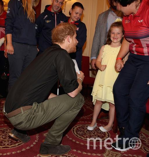 Фото принца Гарри с шестилетней девочкой восхитили пользователей Сети. Фото Getty
