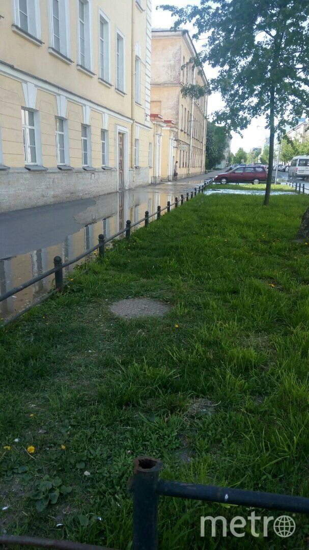 Еще один прорыв на Васильевском острове. Фото ДТП и ЧП | Санкт-Петербург | vk.com/spb_today., vk.com