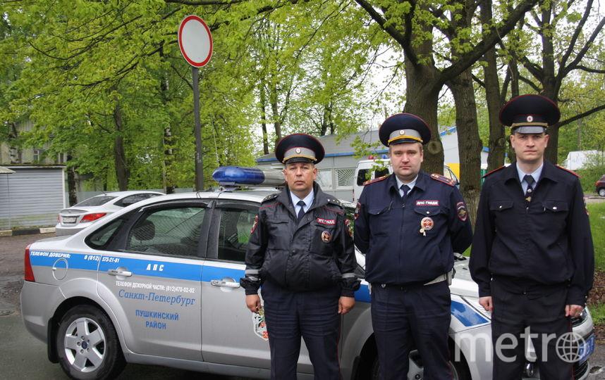 Работники ДПС вПушкине спасли людей изгорящего дома