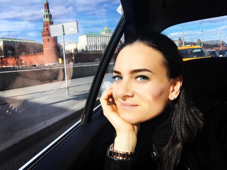 Исинбаева показала повзрослевшую дочь