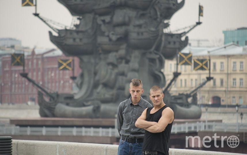 Герои фильма «Тряпичный союз» всерьёз задумали взорвать памятник Петру I, который стоит на Москва-реке. Фото кадр из фильма «Тряпичный союз»