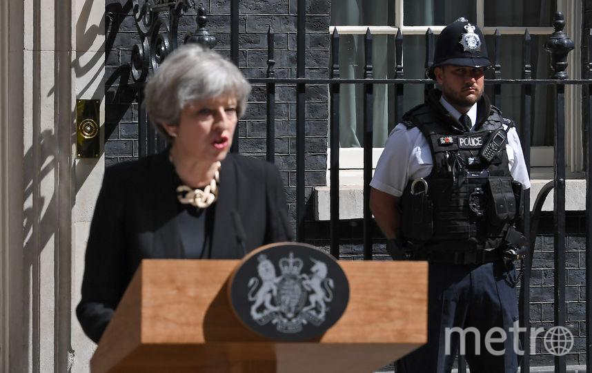 Премьер-министр Великобритании Тереза Мэй выступает с заявлением. Фото AFP