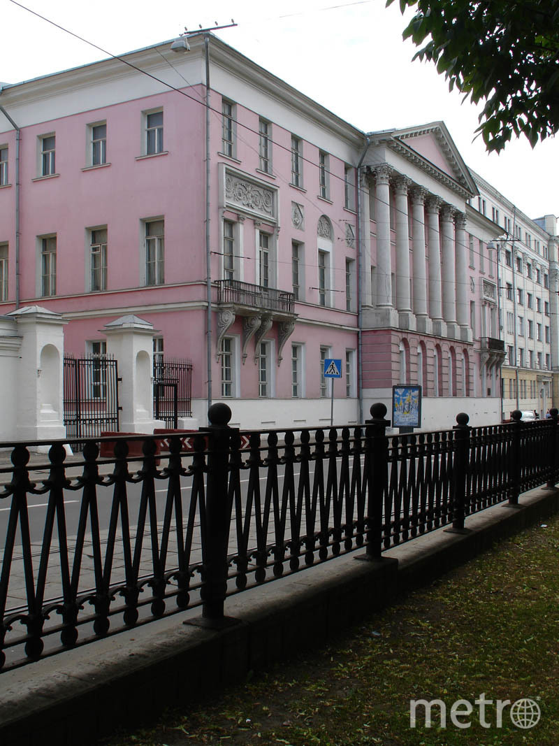 Одно из зданий ВШЭ — бывшая усадьба Дурасовых на Покровском бульваре. Фото Wikipedia/NVO