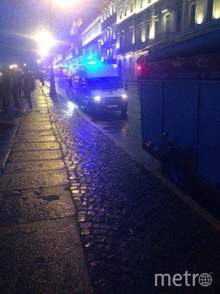 Очевидцы: Из Невы достали труп мужчины. Фото «ДТП и ЧП | Санкт-Петербург», vk.com