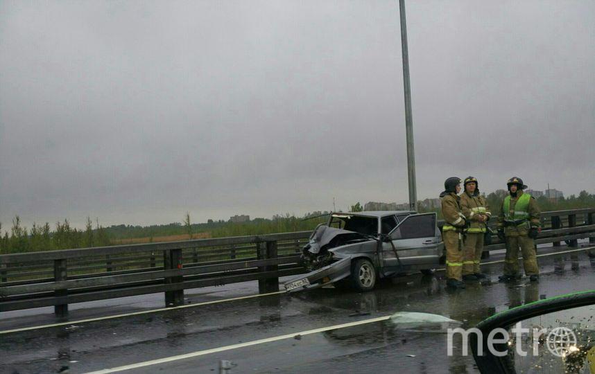ДТП случилось на внешнем кольце КАД в Петербурге утром 9 июня. Фото vk.com