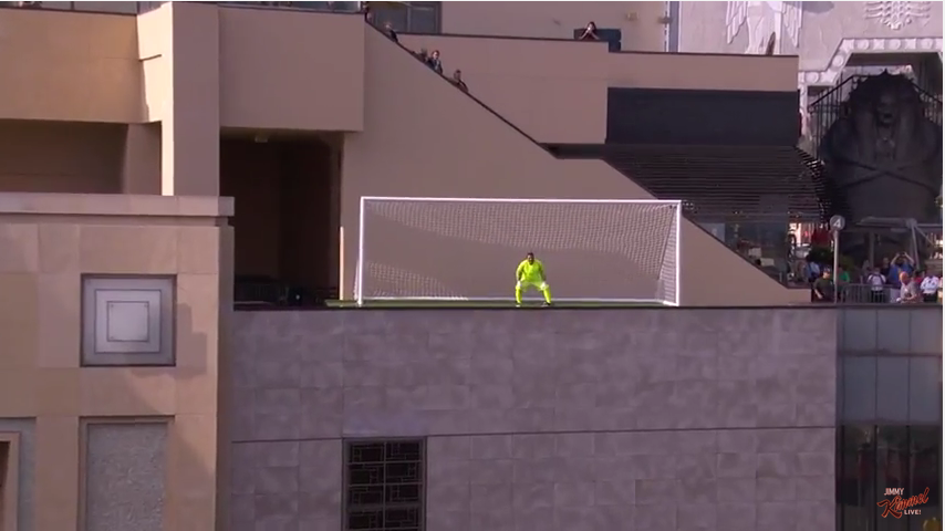 Футболист Неймар забил необычный гол. Фото Скриншот Youtube