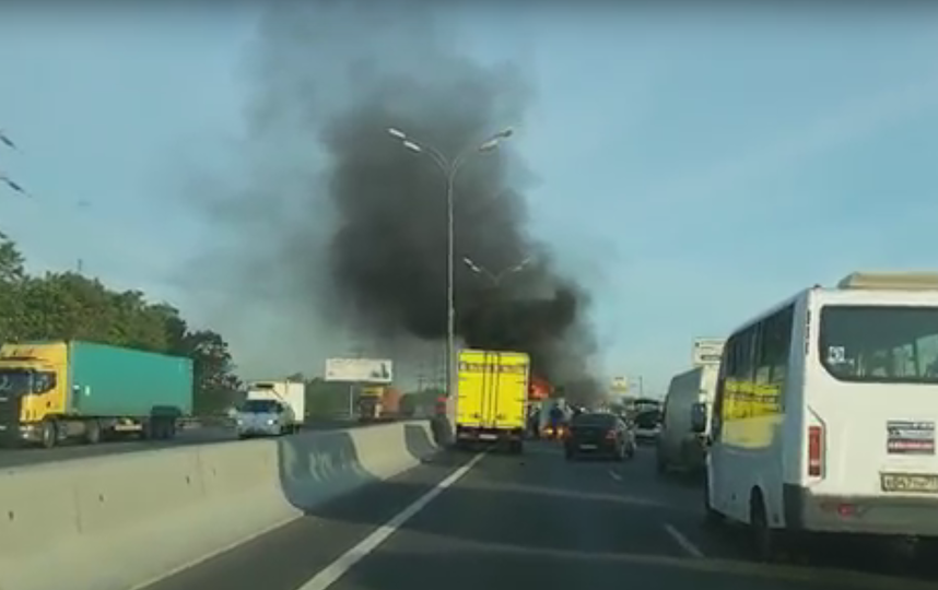 Авария на МКАД в Москве. Фото Скриншот Youtube