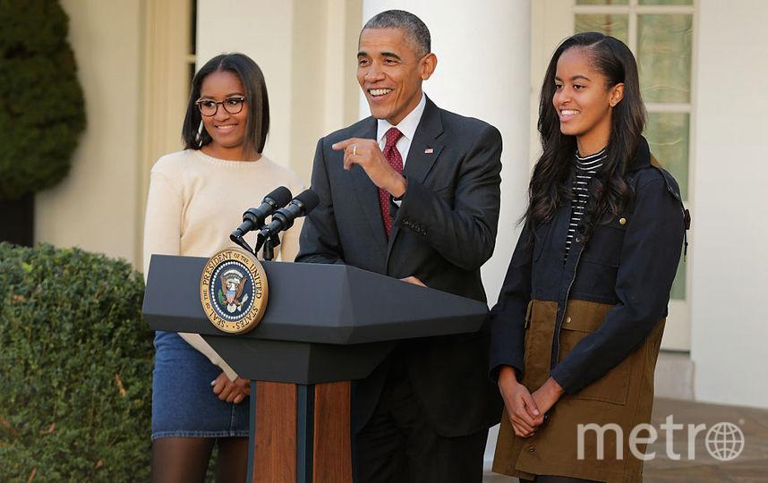 Наташа Обама с папой Бараком и сестрой Малией. Фото Getty