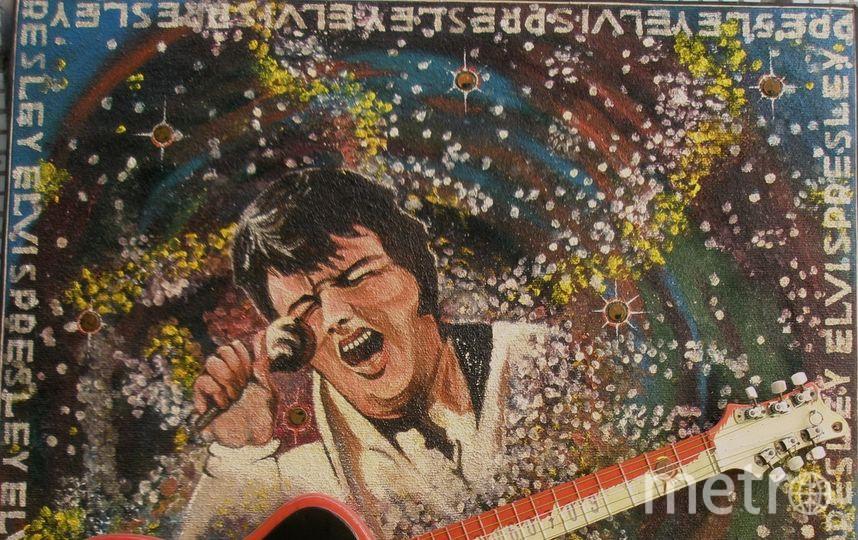Товарищи,я не собираюсь создавать репродукции чужих работ,тк я сам создавал свои работы в те годы, поэтому я пошлю фото моей личной жив/работы,созданной к юбилею нами обожаемого(в наши годы)Элвиса Аарона Пресли в 2006 году. Фото Юрий Романович