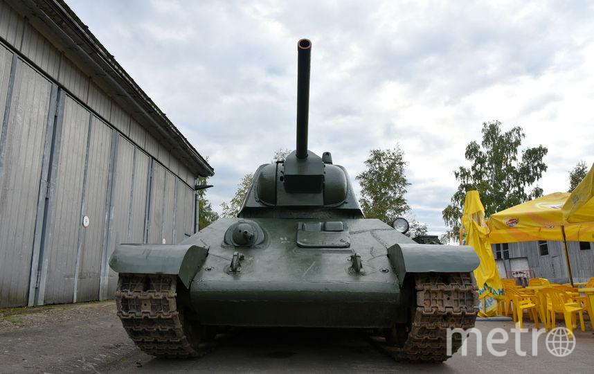 ВДагестане перевернулся фургон, перевозивший танк