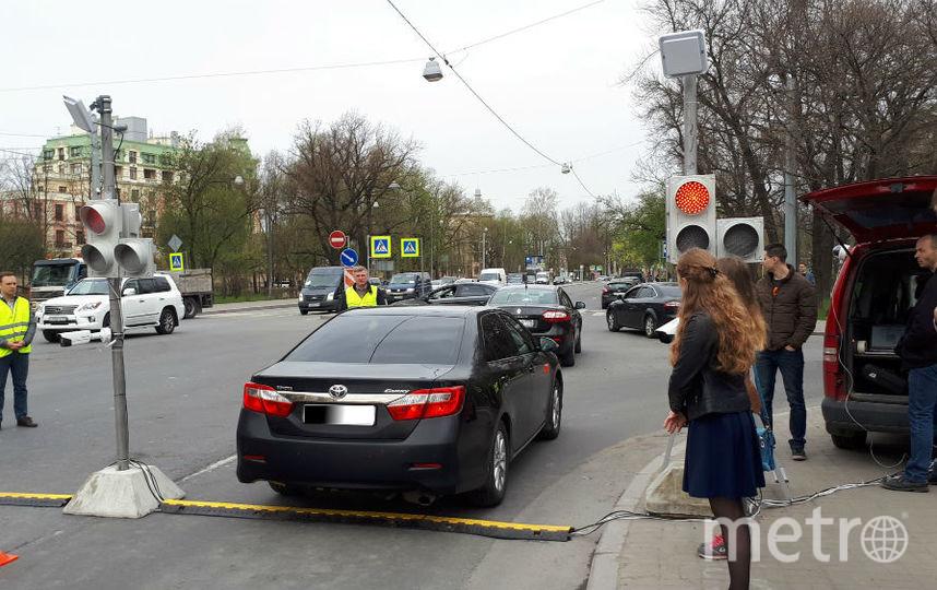 900 автомобилистов пока неполучили спецпропуска наКрестовский