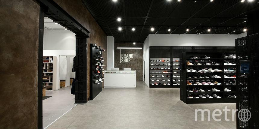 Акция Sneaker Weekend Sale пройдет в три этапа (дропа).