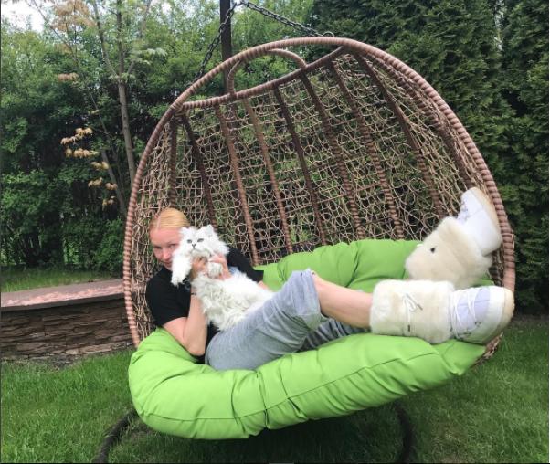 instagram.com/volochkova_art/.