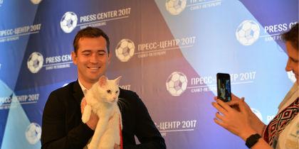 Александр Кержаков и кот Ахилл. Фото предоставлено