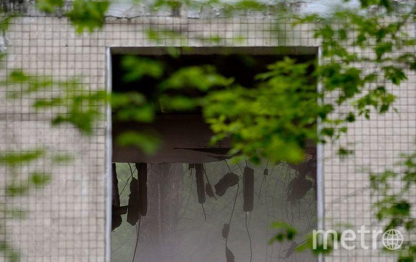 """Окно разрушенного дома. Фото Василий Кузьмичёнок, """"Metro"""""""