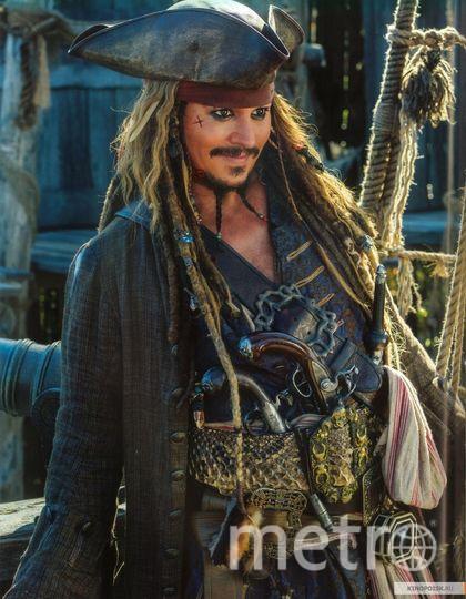 """Кадр из фильма """"Пираты Карибского моря: Мертвецы не рассказывают сказки"""". Фото kinopoisk.ru"""