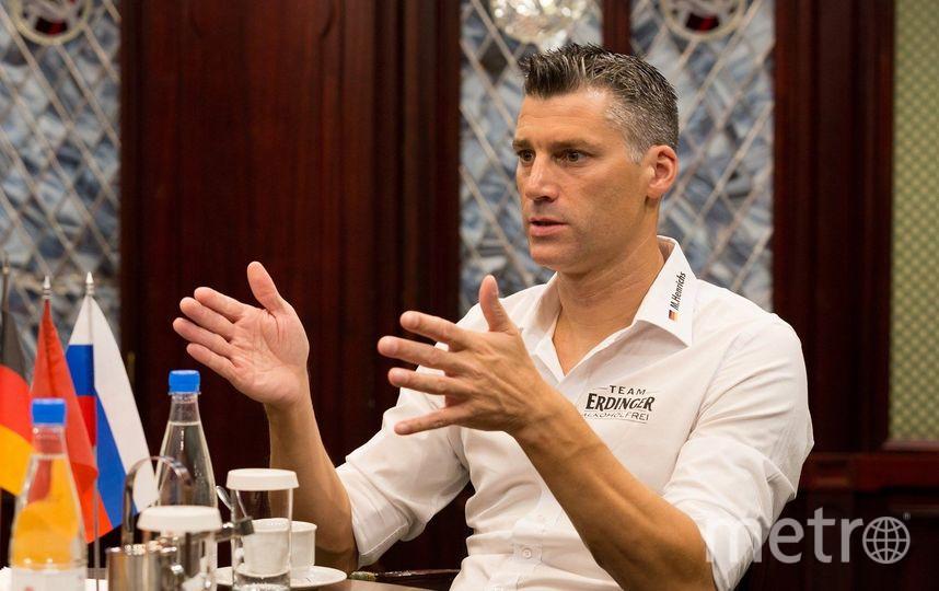 Марко является многократным победителем международных соревнований по плаванию | Marco Henrichs.