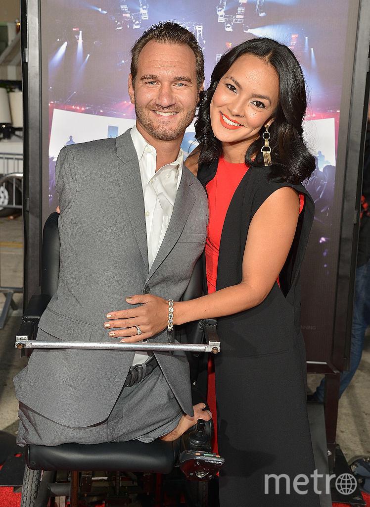 Ник Вуйчич с женой Канаэ. Фото Getty