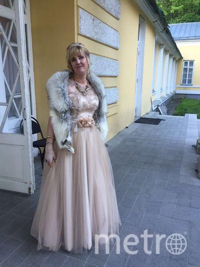 Мое самое счастливое платье- золотое, в котором я чувствовала себя королевой в усадьбе 18 века,где отмечала свой юбилей. Фото Федорова Марина