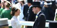 Кейт Миддлтон появилась на Королевских скачках в кружевном платье