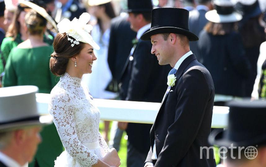 Королева исупруги Кембриджские посетили Королевские скачки вАскоте