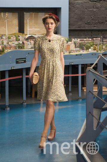 """Перед """"Алыми парусами"""" петербургские дизайнеры устроили показ мод. Фото Все - Святослав Акимов"""
