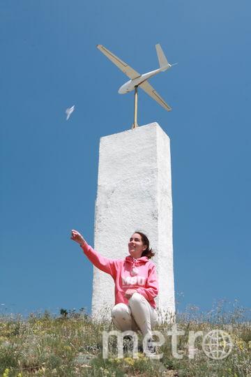 На памятнике в виде планера на горе Клементьева написано: «Пока будут восходящие потоки, будут люди, стремящиеся летать». Это слова авиаконструктора Олега Антонова. Фото Олег Ефремов