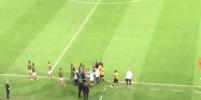 Массовая драка случилась в финале матча Мексика-Новая Зеландия:видео