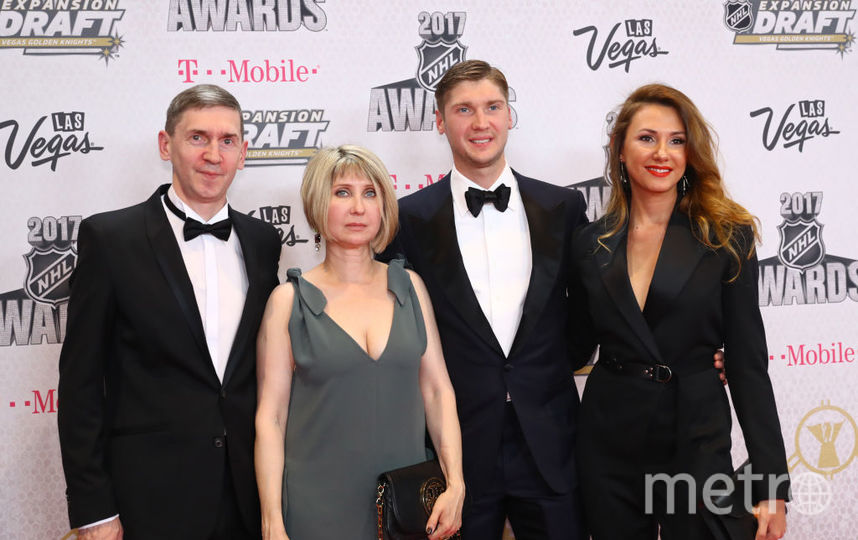 """Голкипер """"Коламбус Блю Джекетс"""" Сергей Бобровский с семьёй. Фото Getty"""