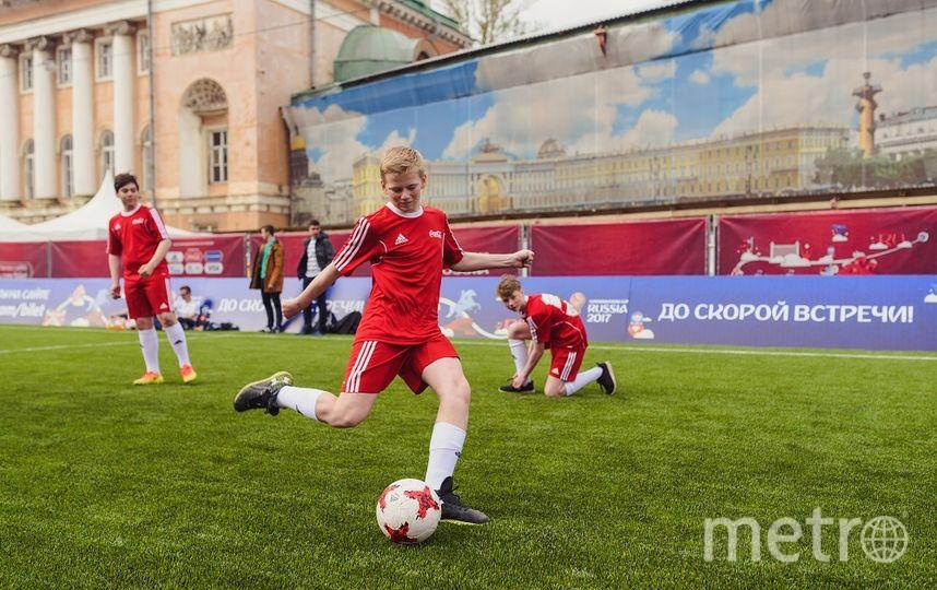 """Футболисты турнира """"Кожаный матч"""". Фото Фото предоставлено Coca-Cola."""