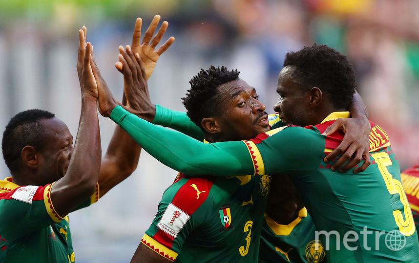 Камерунцы празднуют забитый мяч. Фото Getty