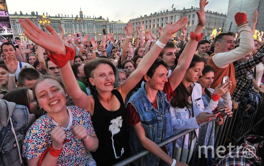 """Алые паруса - зрелищное шоу. Фото Святослав Акимов, """"Metro"""""""
