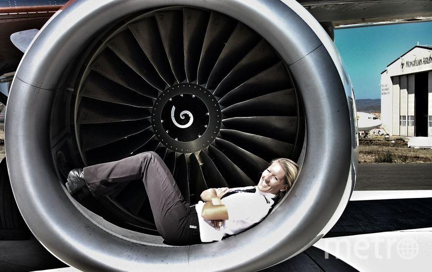Сюзанна и самолёт. Фото Susanna Sundberg