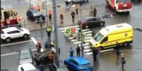 ДТП в Петербурге: в перевернувшемся автомобиле погибла женщина