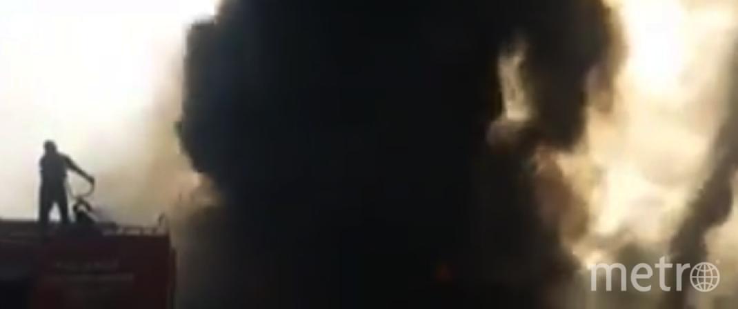 В Пакистане из-за возгорания цистерны с топливом пострадал 141 человек. Фото Все - скриншот YouTube