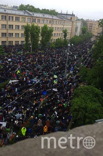 В Петербурге молитва в честь Ураза-байрам собрала 160 тысяч человек. Фото dum-spb.ru