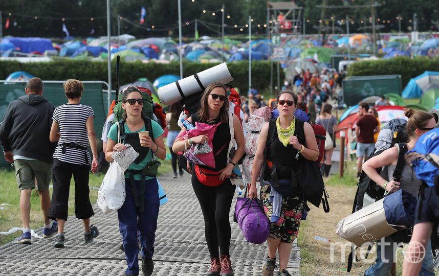 После завершения фестиваля в Гластонбери. Фото Getty