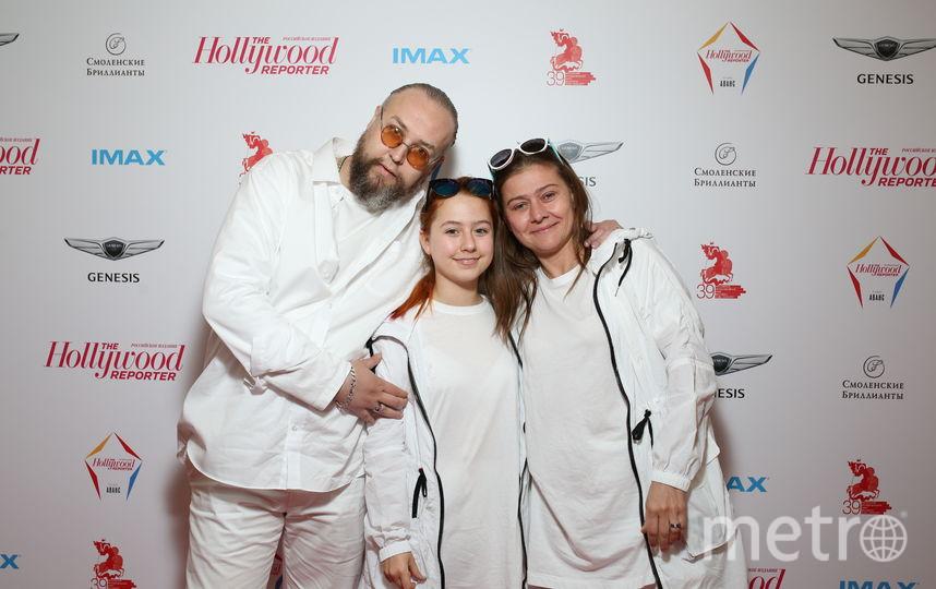 Борис Ливанов с дочкой и Мария Голубкина. Фото Пресс-служба «The Hollywood Reporter. Российское издание».