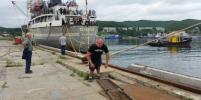 Приморский силач сдвинул судно весом 4,2 тысячи тонн в честь Путина