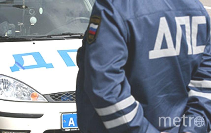 Полицейские спасли девочку.