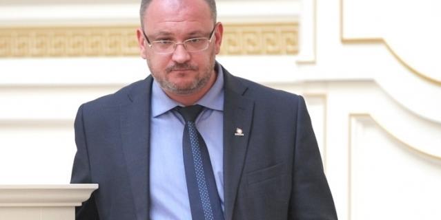 Максим Резник.