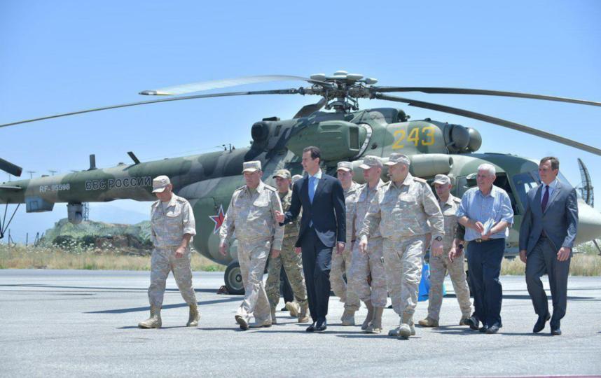 Башар Асад на базе ВКС РФ. Фото Twitter @MIG29_