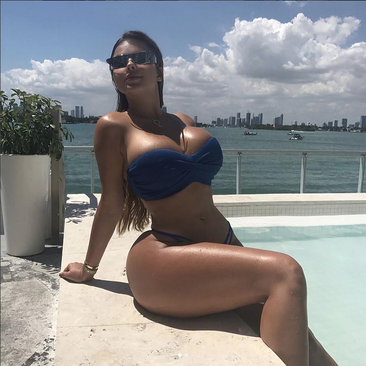 Грудь Анастасии Квитко сбежала из купальника на фото. Фото Скриншот Instagram/anastasiya_kvitko